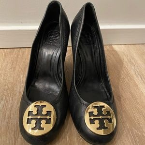 Tory Burch Sophie Wedge Pumps size 7.5